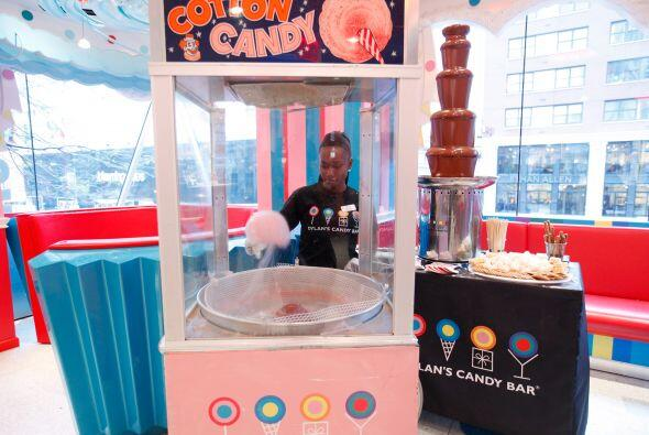 Pero además, cuenta con tiendas y dulcerías muy famosas donde los niños...