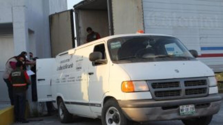 Uno de los cuerpos hallados es ingresado en la morgue de San Fernando, T...