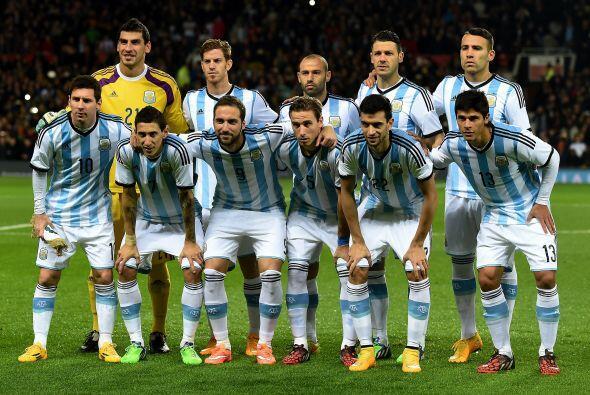 Grupo B: Argentina, Uruguay, Paraguay, Jamaica. Sabemos que en el f&uacu...