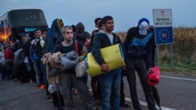 Más de 8,000 refugiados llegaron la noche del jueves a Croacia