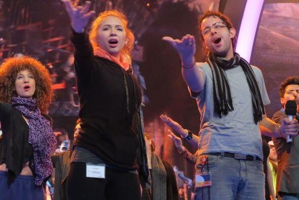 Paloma y Raúl entonaron uno de los temas que cantarán en g...