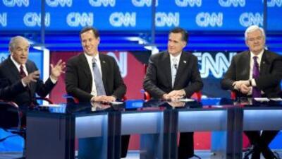 Los aspirantes republicanos a la nominación presidencial Ron Paul, Rick...