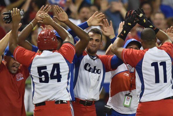 Gourriel, posiblemente la mayor estrella de Cuba, respondió frente al re...
