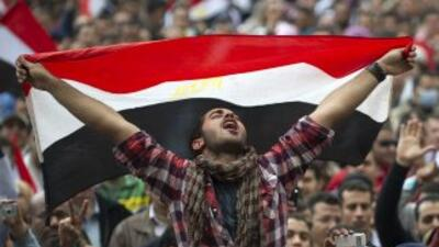 La revuelta egipcia contra el presidente Hosni Mubarak se extiende por t...