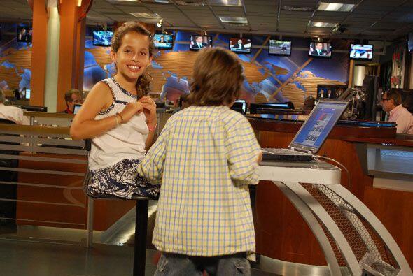 Fuera de cámara, los pequeños veían Univision.com d...
