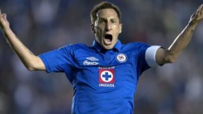 "Christian Giménez: ""La única forma de anotarle al 'Conejo' Pérez era peg..."