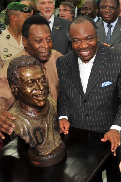 'Pelé', leyenda del fútbol, inauguró un busto en su honor en el Estadio...