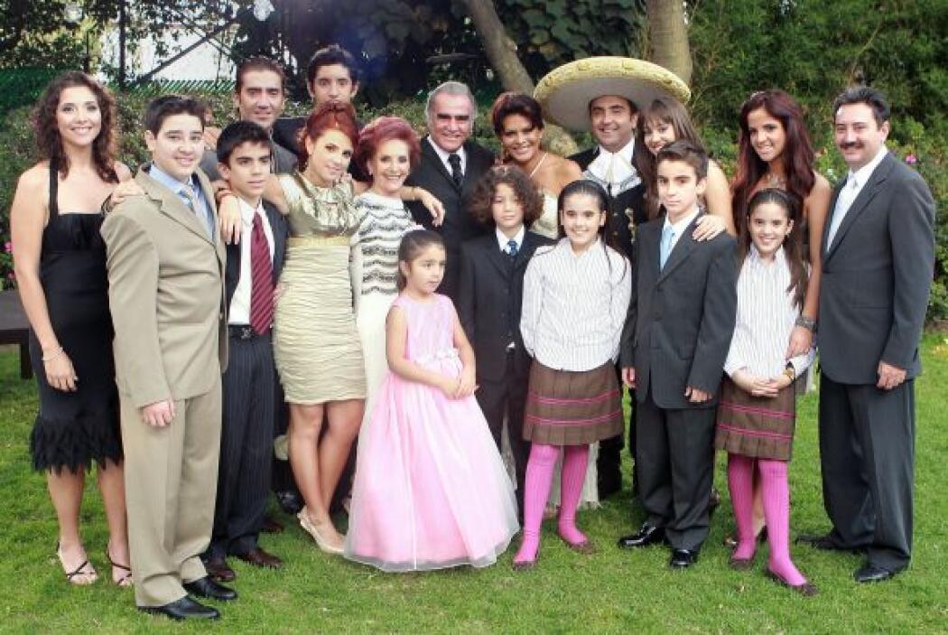 Una familia que sin duda demuestra los valores de este gran ser humano,...