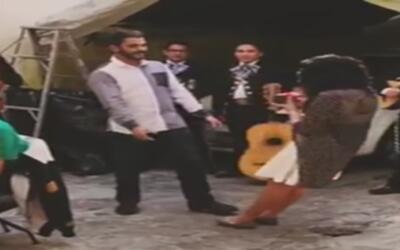 Le propuso matrimonio y ella reaccionó de una forma que no dejó duda a s...