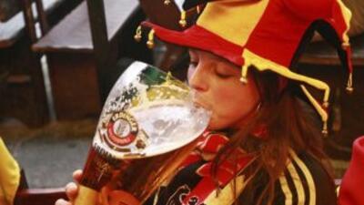 La venta de cerveza en el próximo mundial de Brasil sigue generando idas...