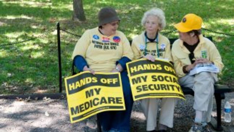 En 2010 el Medicare costó al gobierno federal de Estados Unidos $525,700...