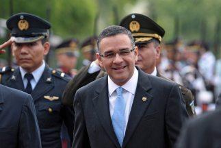 El presidente salvadoreño, Mauricio Funes anunció una visita de Estado a...