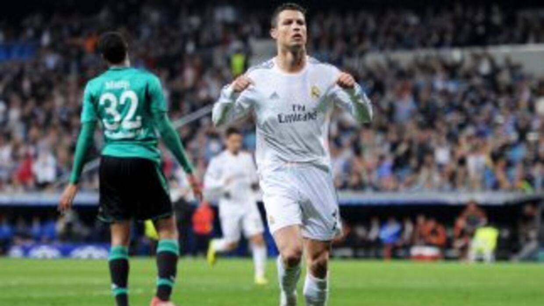 Ronaldo marcó los dos primeros goles madridistas, seguidos de un tanto m...