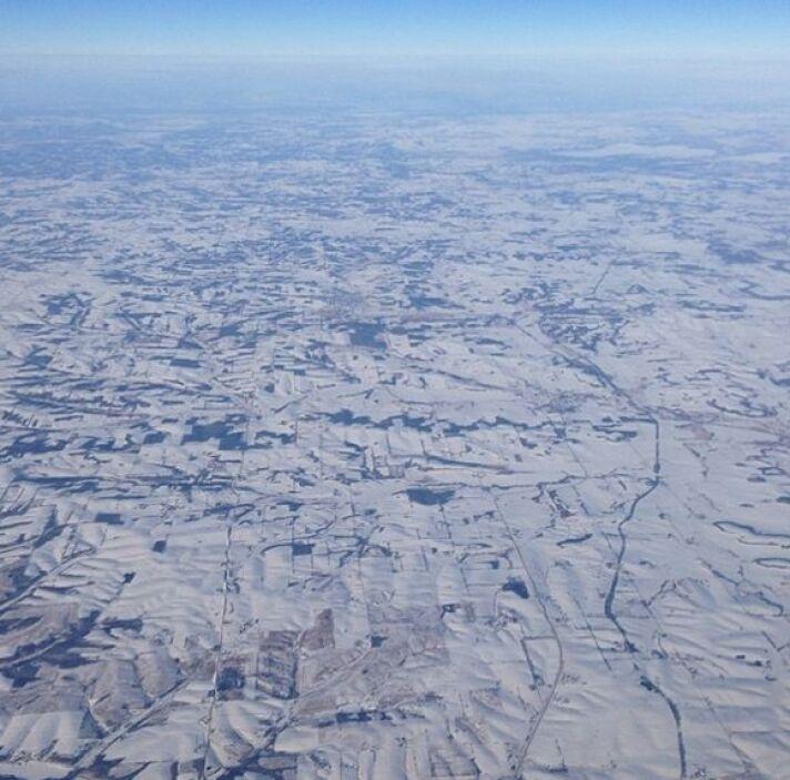 """""""Esas no son #nubes es la #nieve que cubre la zona de #Chicago. Vista de..."""