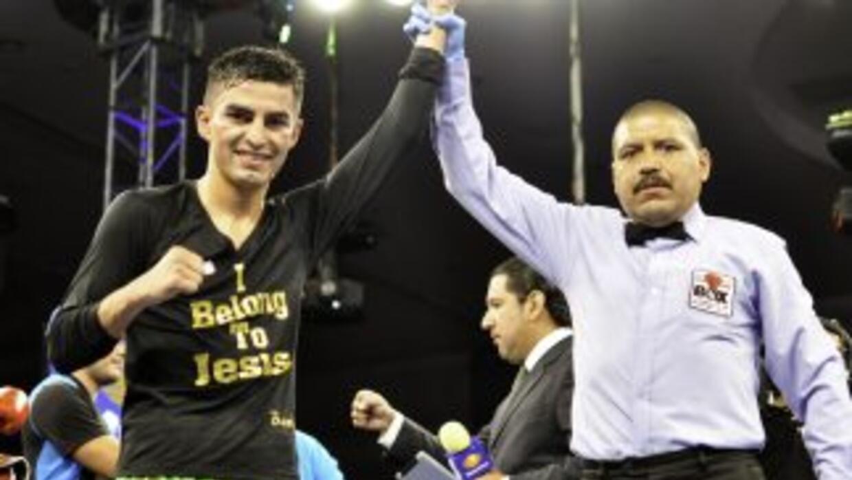 Iván Morales venció al exmonarca mundial César Canchila (Foto: Canelo Pr...