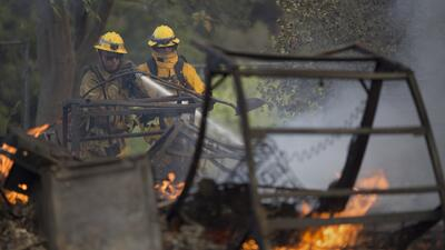 Incendios forestales dejan a miles sin hogar