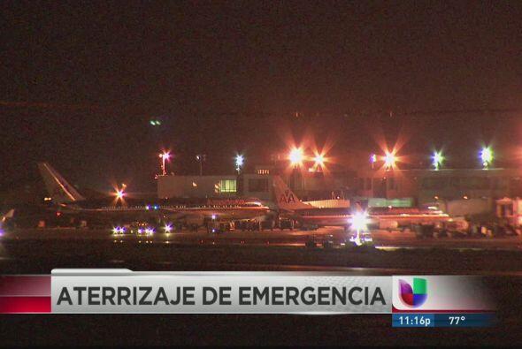 INFARTO EN PLENO VUELO.  Un avión que despegó de Los Angel...