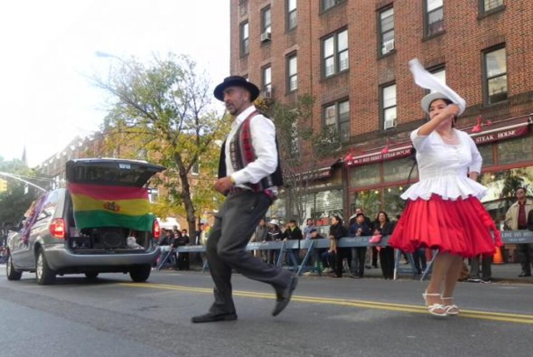 Primer desfile Boliviano de Nueva York a9237d54d24d4d77a5cf05fc1d39f5a2.jpg