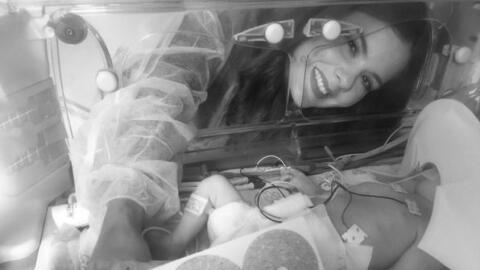 Imagen de Victoria y su madre en el hospital.