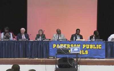 Acalorada audiencia por recortes en el presupuesto escolar en Paterson
