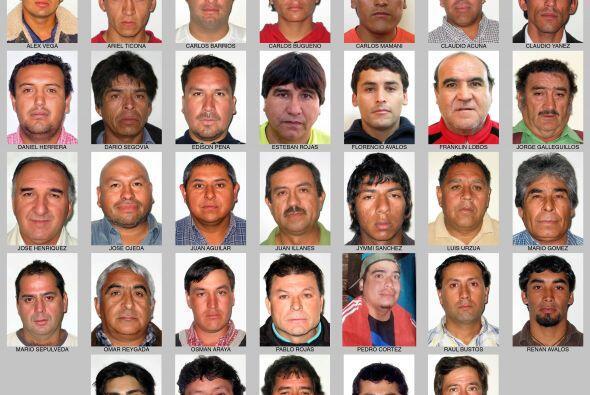 Los 33 mineros atrapados hace 18 días al interior de una mina en...