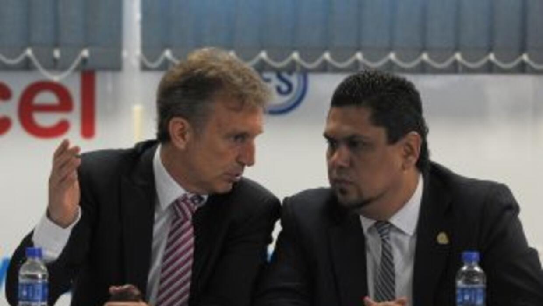 Albert Roca dio la lista para los próximos partidos de El Salvador.