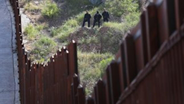 """""""Sabemos que los indocumentados que son deportados tratan de cruzar la f..."""