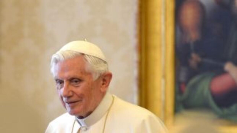 El papa, Benedicto XVI.