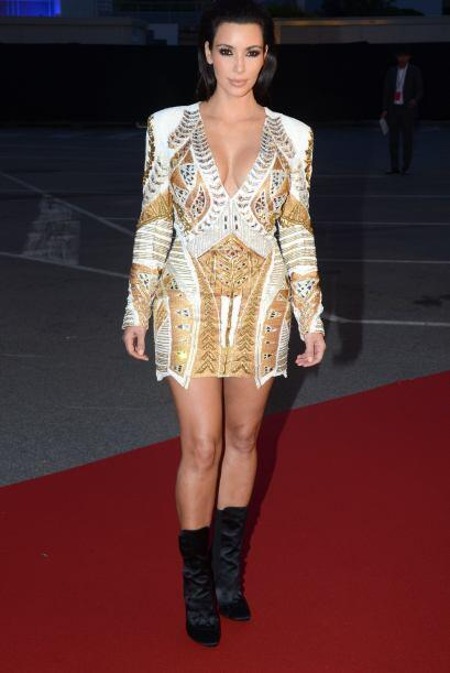 1. Cuando Kim comenzó su romance con Kanye West su imagen tuvo un cambio...