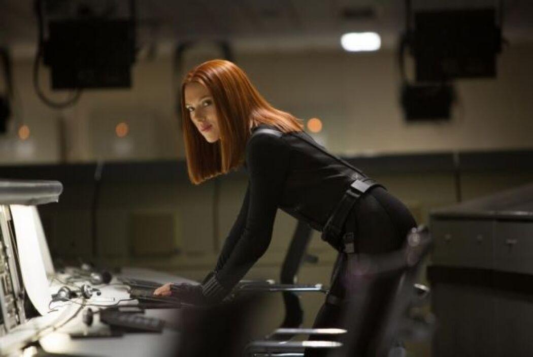 En esta ocasión Chris Evans comparte créditos con Scarlett Johansson.