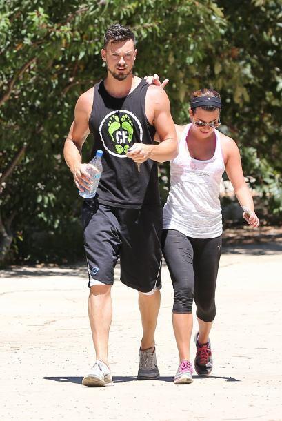 Matthew está súper musculoso.