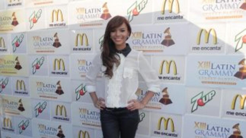 Quizá la viste por primera vez en Premios Juventud, cantando una versión...