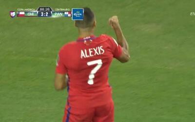 Gooool!!! Alexis Alejandro Sánchez Sánchez remata de cabeza y anota para...