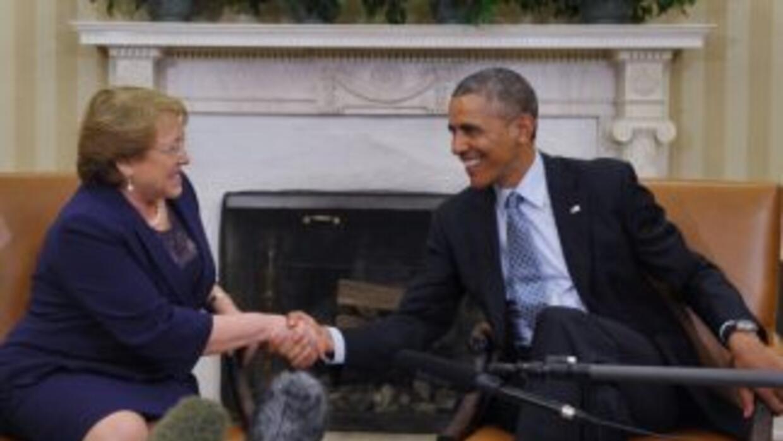El presidente Obama elogió a Chile como modelo de democracia tras su reu...