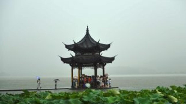 Cielo nublado por encima de China antes de la llegada deltifónSoudelor.