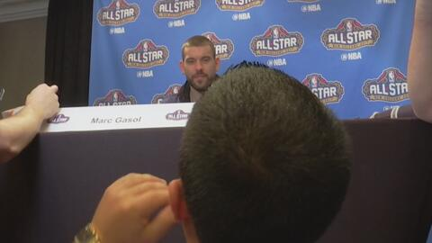 Elvis en el All-Star Game de la NBA entrevistó a Marc Gasol