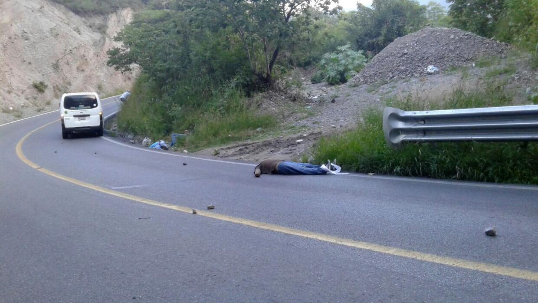 La carretera donde ocurrió el asalto y asesinatos.