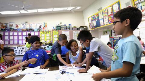 Un 'clima positivo' en la escuela implica la presencia de maestros compr...