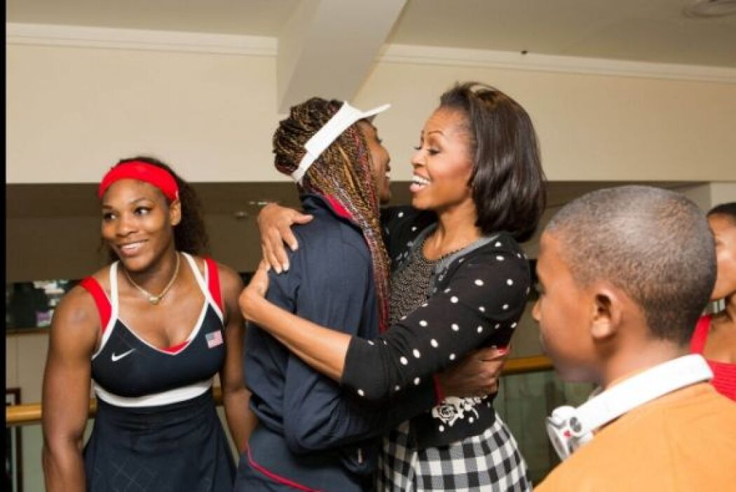 Las tenistas Venus y Serena Williams se presentan con Michelle Obama. La...