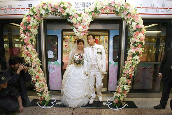 También se llevó a cabo en un lugar excéntrico para una boda, el Mass Tr...