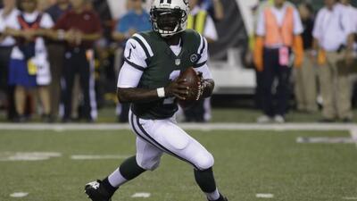 Michael Vick no tuvo el debut que se esperaba con Jets. (NFL-AP)