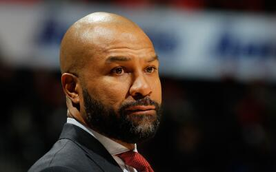 Los Knicks despiden al coach Derek Fisher