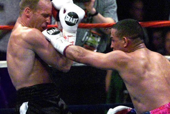 Tuvo una éxitos en el ring, pero una bala en su natal Puerto Rico acabó...