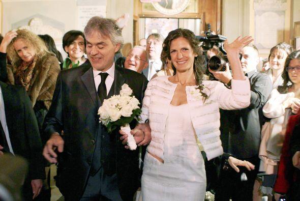 Estas son las imágenes más románticas de su boda.M&...