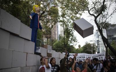 """Los manifestantes se declararon en contra del """"muro de Trump"""""""