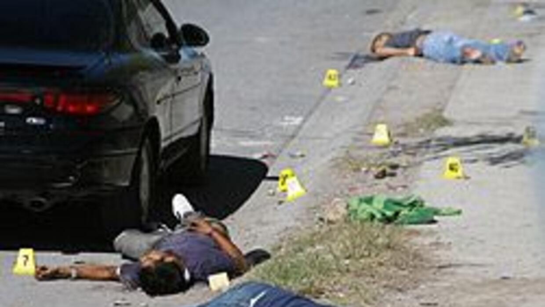 Gobernadores de Arizona y N. Mexico apoyan despliegue de Guardia Naciona...