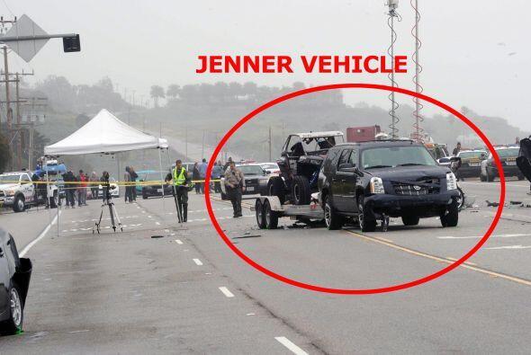 El ex esposo de Kris Jenner venía en ese auto negro que ves, y ad...