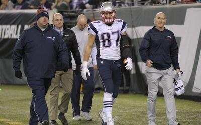 Rob Gronkowski salió lesionado en el partido ante los Jets.