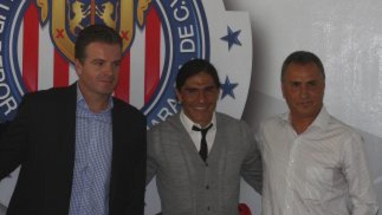 José Luis Real es el candidato principal para ser nuevo técnico de Chivas.