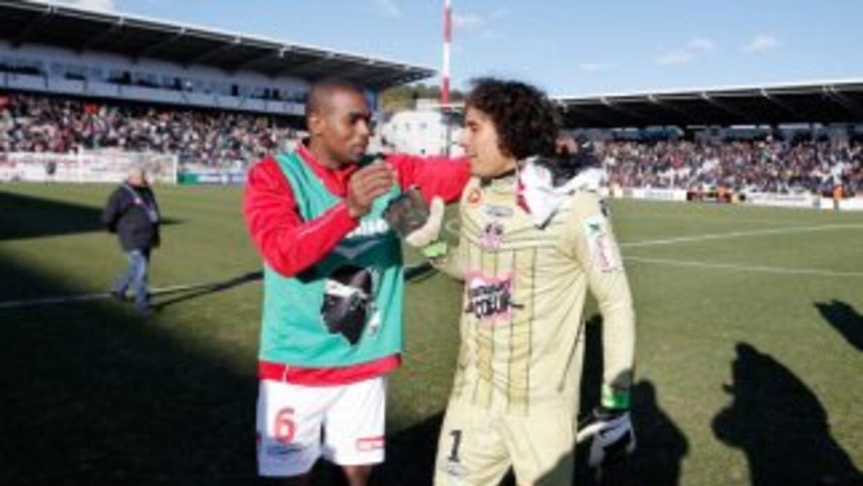 Guillermo Ochoa no permitió goles para ayudar al triunfo del Ajaccio.
